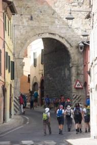 Cammino Terre Mutate Tappa 3 Camerino Fiastra per le vie di camerino (2)