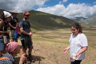 Cammino Terre Mutate Tappa 7 Norcia - Castelluccio di norcia la bambina pastore