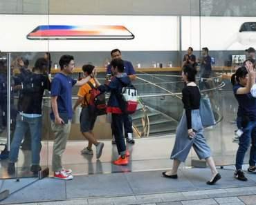 Ngày đầu mở bán iPhone 8 ở Nhật Bản
