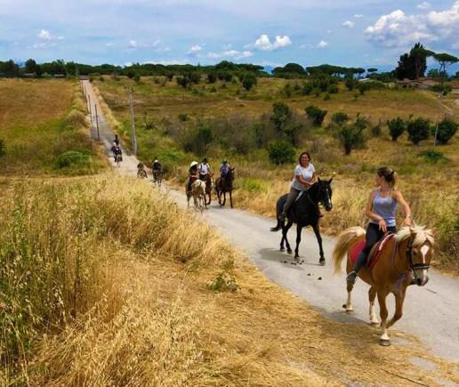 passeggiata-a-cavallo1