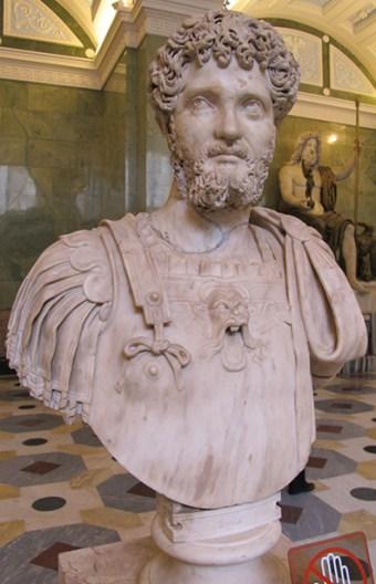 Lucio Settimio Severo Augusto è stato un imperatore romano dal 193 alla sua morte. Giunto al potere dopo la guerra civile romana del 193-197, fu fondatore alla dinastia severiana