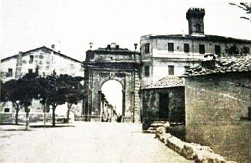 Ponte di Porta Romana – 1885 – a destra si riconoscono i resti del ciglio del Ponte