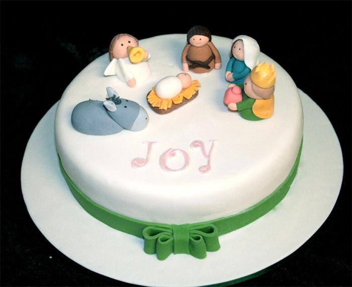 13-creative-christmas-cakes