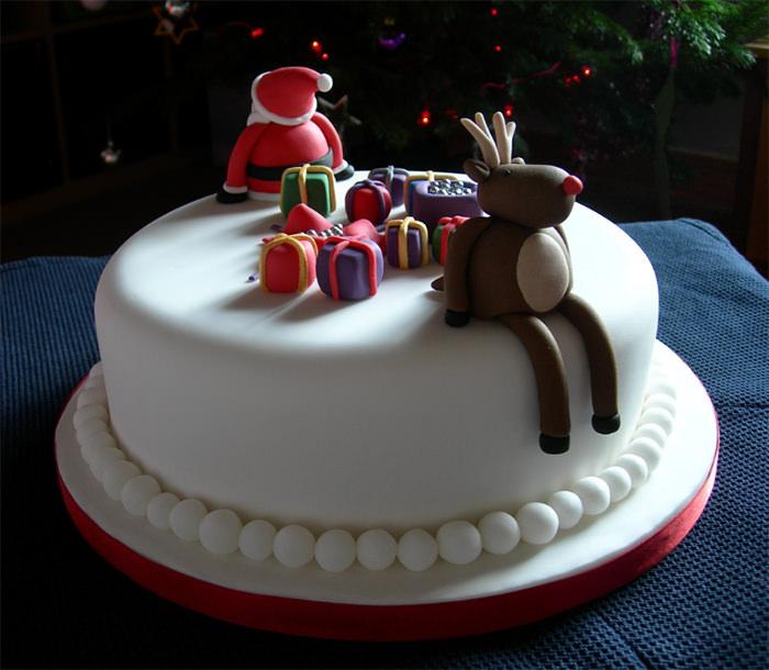 15-creative-christmas-cakes