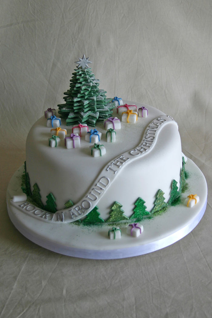 29-creative-christmas-cakes