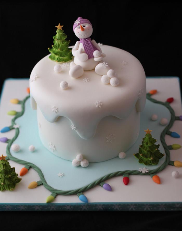35-creative-christmas-cakes