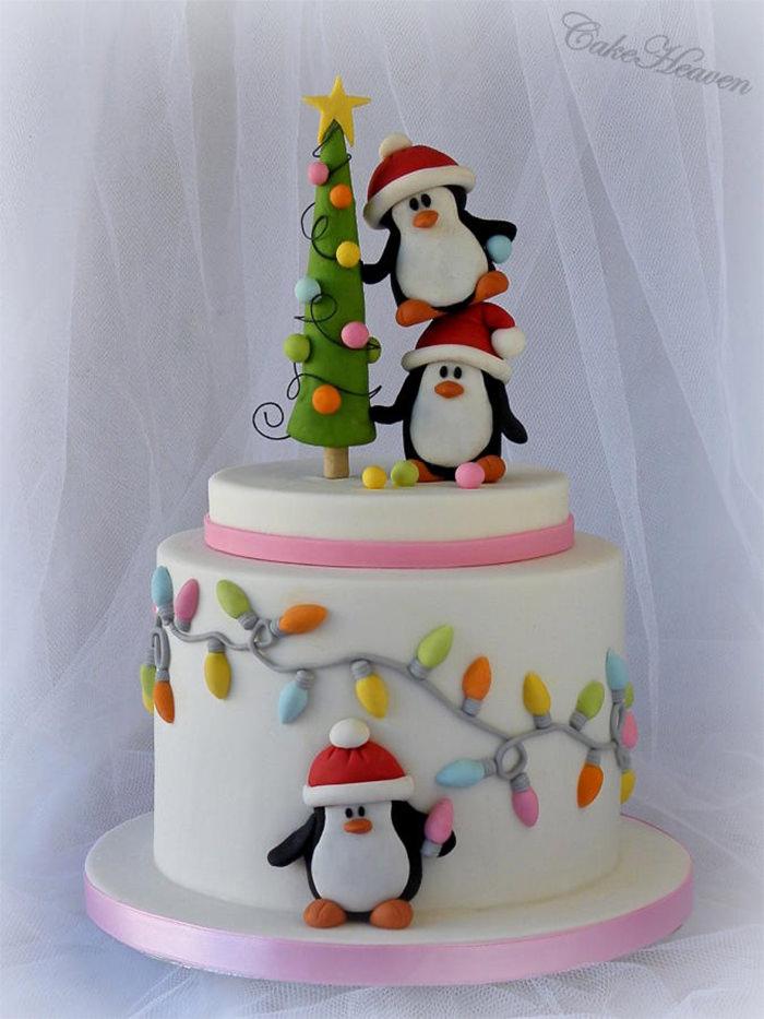 7-creative-christmas-cakes
