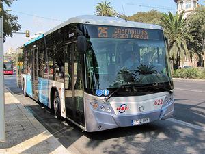 Las paradas de autobús del lateral de la Alameda Principal se trasladan debido a las obras