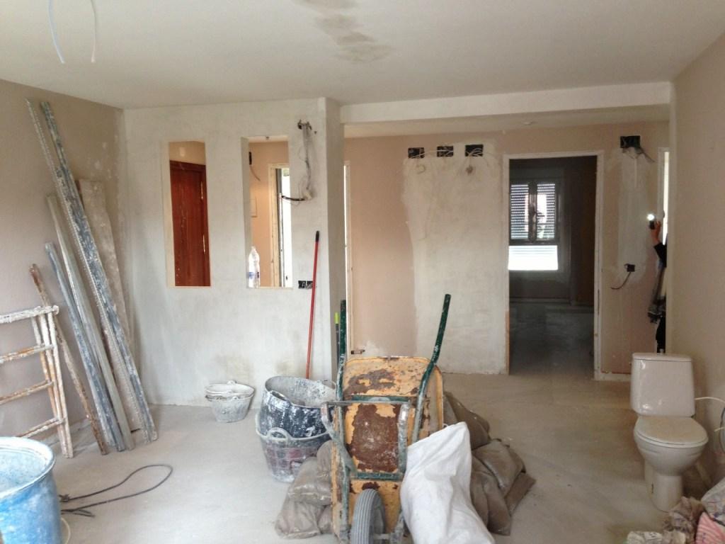 El Ayuntamiento elimina la necesidad de pedir permisos para obras menores en el interior de viviendas