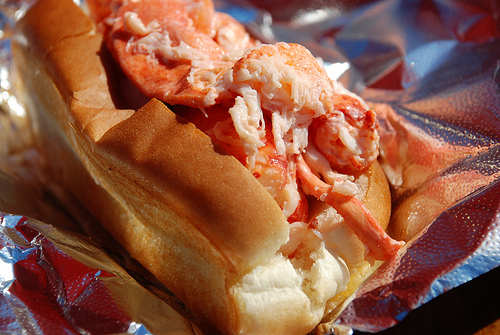 Mouthwatering photo of lobster roll from Lonely Planet