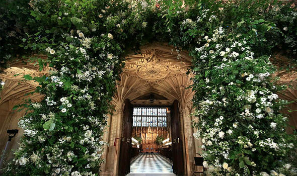 royal-wedding-meghan-markle-prince-harry-flowers-962022.jpg