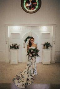 Non traditional Oregon bride at Altar