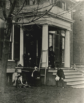 Strathy family in front of Campbell House