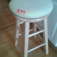 Quick & Easy {Blindingly Cute} Stool Cushion