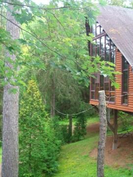 Chapelle ou salle communautaire - Facade du lac