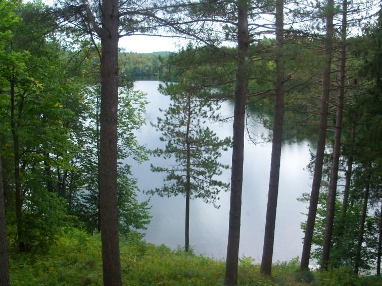Vue sur le lac de la chapelle