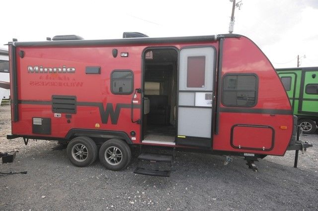 Travel Trailers Slide Outs