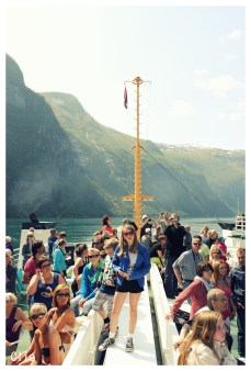 Tourists between the fjords