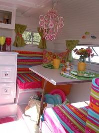 Awesome Vintage Camper Decorations Ideas10
