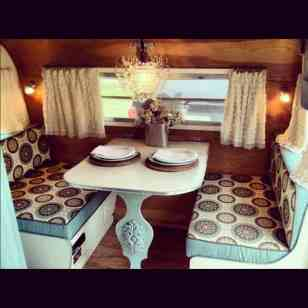 Awesome Vintage Camper Decorations Ideas17