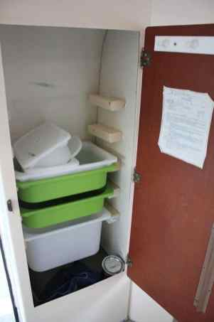 Amazing RV Hacks Cleaning Tips Ideas24