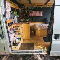 Van Home 32