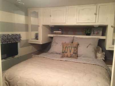 Camper Bedroom 27