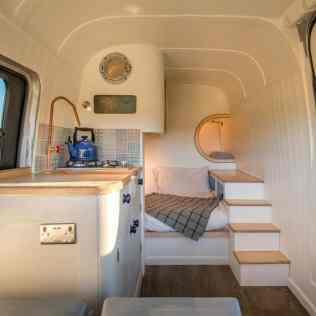 Van Living 12