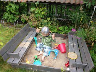 Merlin mit Fun-Wikingerhelm