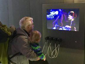 """Merlin guckt mit Papa """"Jaques-Fernsehen"""""""