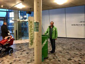 Greenpeace im Ozeaneum Stralsund