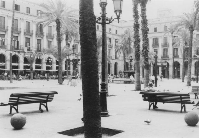 Placa Reial (Plaza Real) het hartje van de stad. (foto 1978, Janine Stougie)