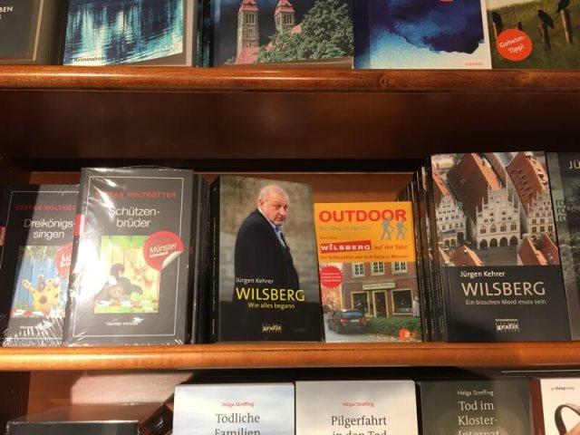 Wie in Münster een boekenwinkel binnen stapt 'valt' over de plaatselijke krimi's.