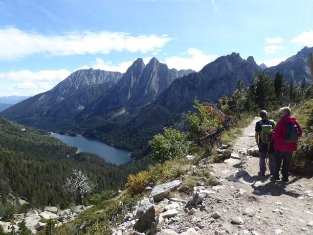 Het meer van grote afstand bij de speciaal aangelegde mirador.