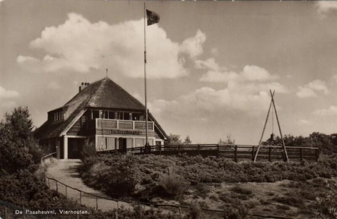 Een ansichtkaart uit de jaren dertig