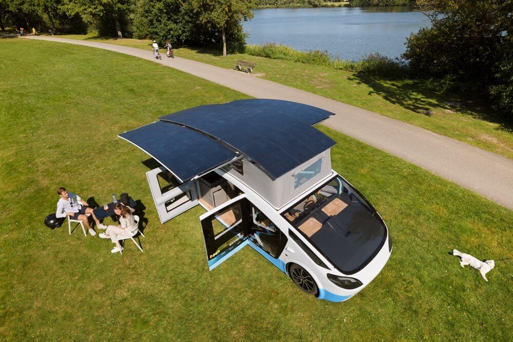 Stella Vita, het rijdend huis op zonne-energie van studententeam Solar Team Eindhoven. Credit: STE / Bart van Overbeeke