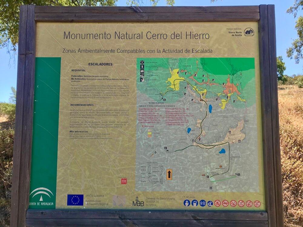 Het wandel- en klimgebied bij Cerro de Hierro (Spaanse binnenland).