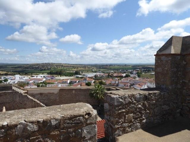 Uitzicht over het fraaie landschap vanaf het kasteel.