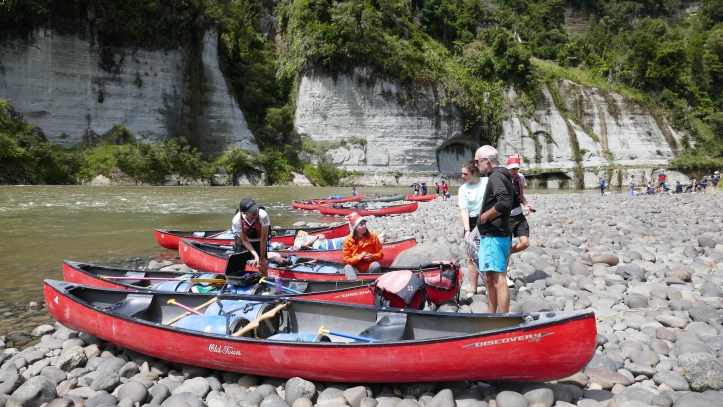 Whngnui river canoes