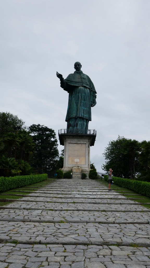 san carlo statue Arona