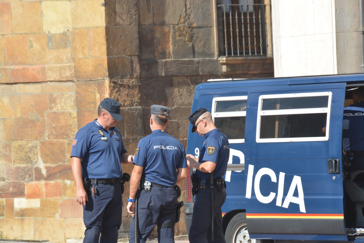 Security duty at Oviedo Cathedral