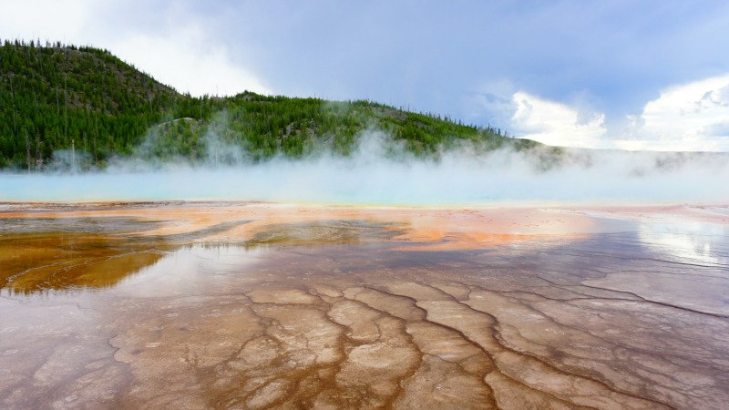 Yellowstone National Park - Grand Prismatic Spring - Campfire Chic