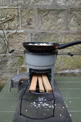 cooking on the EcoZoom Versa