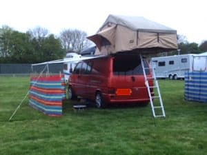 Roof tents – camping kit for masochists, or a perfect penthouse