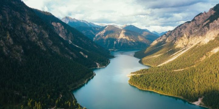 Menilik Sejarah Gunung Tampomas yang Menarik untuk Diketahui