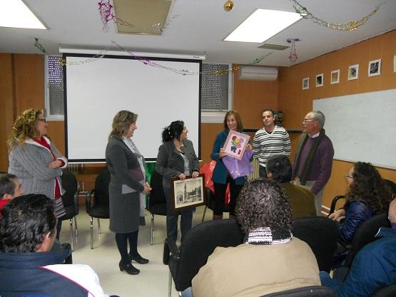 La Directora General de Servicios Sociales, Magdalena Sánchez, junto a la delegada provincial, Ángela Jiménez, y el director del centro, Pedro Luis Medina.