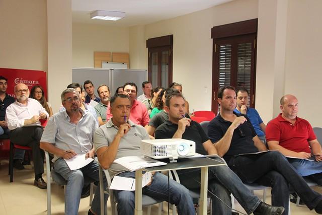 Comerciantes de Andújar participantes en el taller.