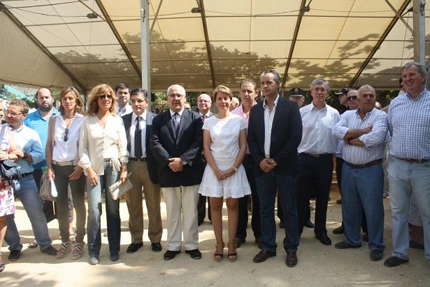 Autoridades asistentes a la inauguración de Anducab, en Andújar.
