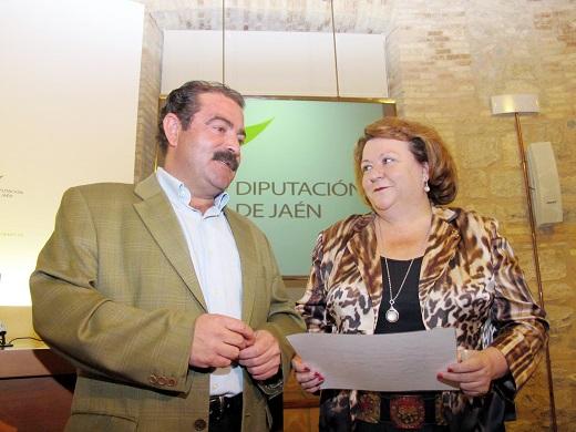 El diputado de Infraestructuras Municipales, José Castro, y la vicepresidenta de la Diputación, Pilar Parra.