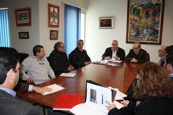 Encuentro mantenido entre empresarios locales, el alcalde de Andújar y el presidente de la Cámara de Comercio de Andújar.